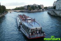 Silvester-in-Paris-Seine
