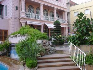 Der Eingangsbereich vom Hotel Guitar Rosa in Lloret de Mar