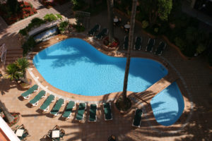 Der Pool vom Hotel Guitar Rosa in Lloret de Mar