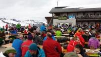 im Skiurlaub Party machen mit Maxtours